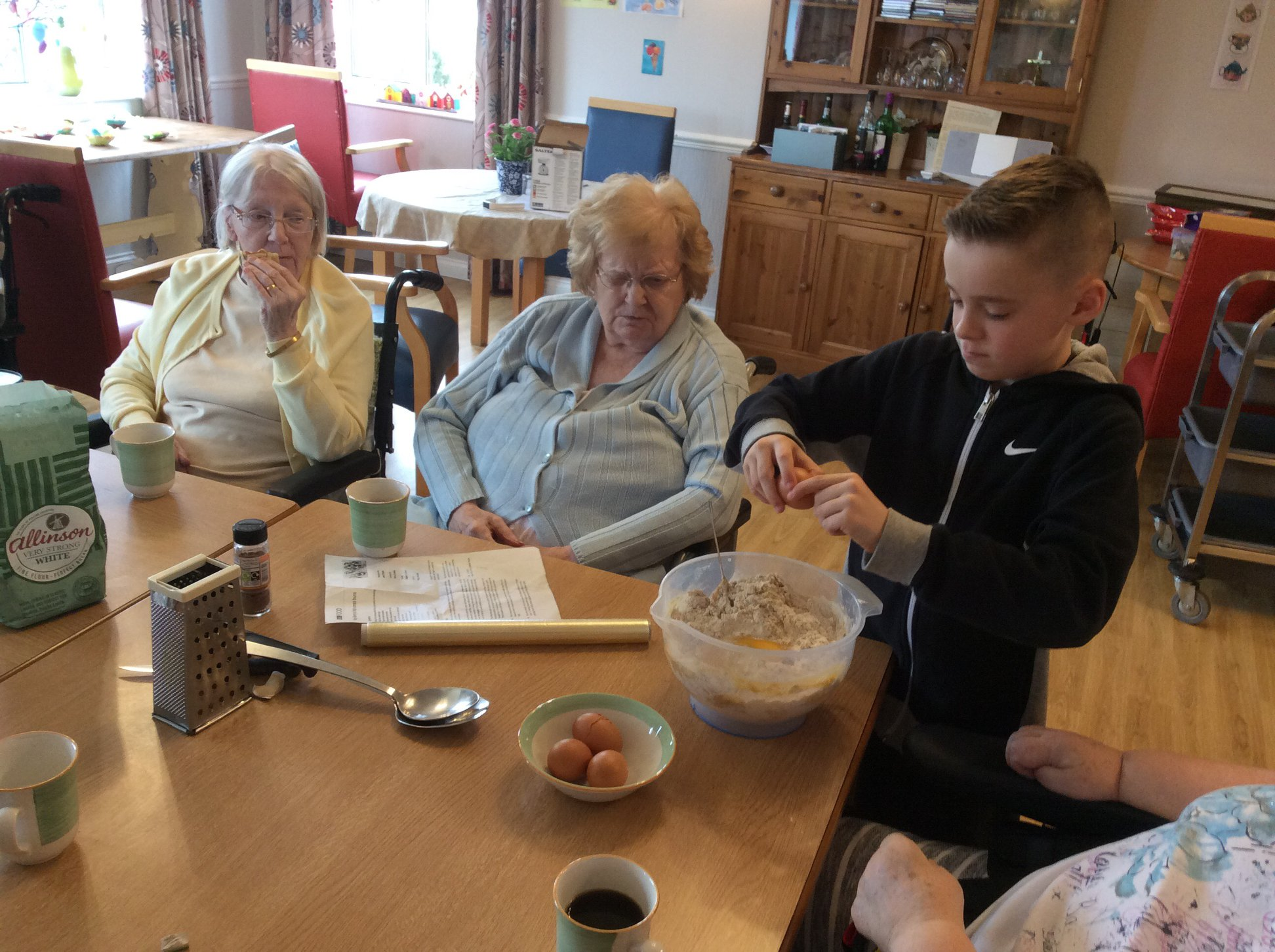 Overview riversway nursing home nhs choices in the spirit of easter residents from riversway nursing home had a bright and breezy afternoon on good friday making a variety of easter cakes negle Choice Image